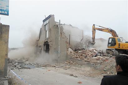 拆房赔偿的标准是什么?农村房屋拆迁补偿标准是多少呢?