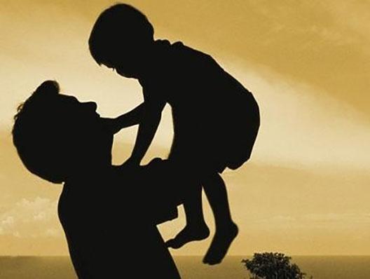 母亲离世子女抚养权归谁 孩子的抚养费问题谁承担