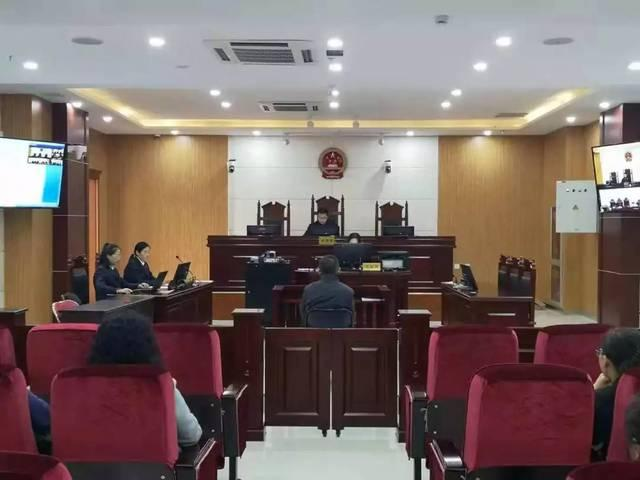 什么是刑事被告人?刑事诉讼被告人不出庭影响判决吗?